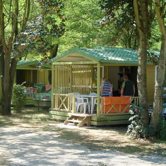 Camping Les Foulons - Les chalets