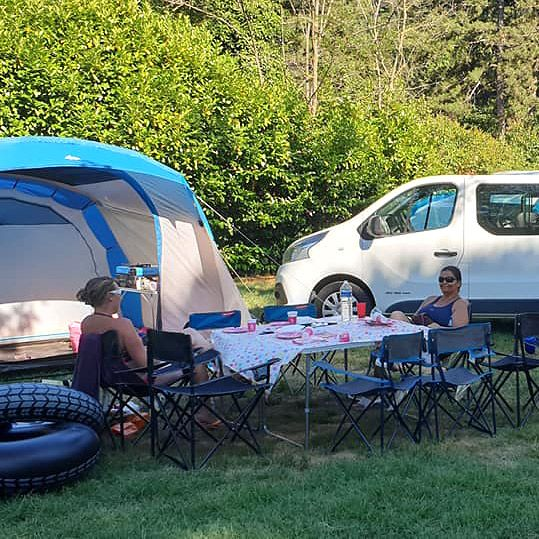 Campsite Les Foulons - The pitches